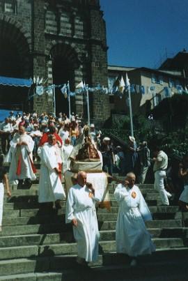 procession mariale Le Puy