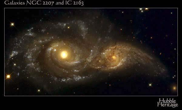 Galaxie en collision frontale