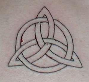 Triquetera tatouée