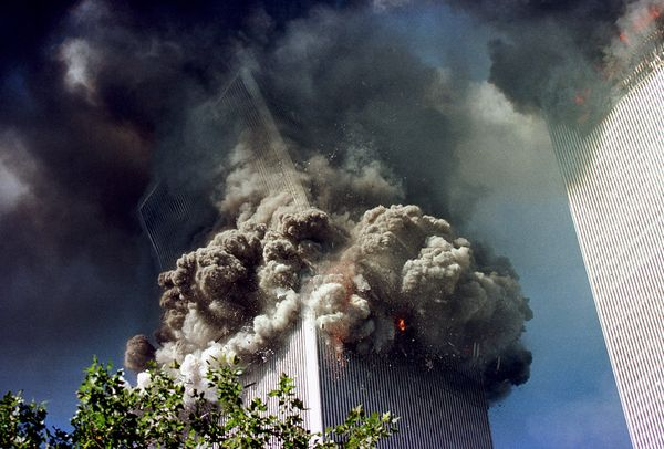 Effondrement d'une des Twin Towers du WTC le 11 Septembre 2001