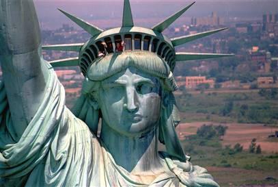 Statue de la Liberté dans le port de NYC