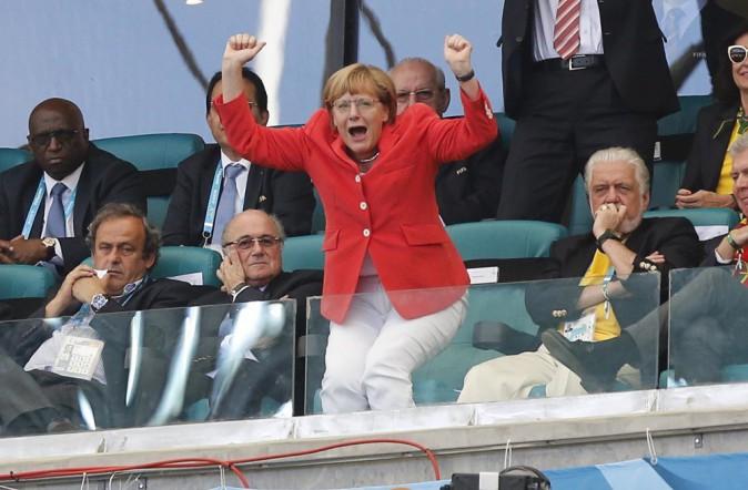 La chancelière allemande à l'Arena Fonte Nova de Salvador assistant au match de l'Allemagne contre le Portugal.