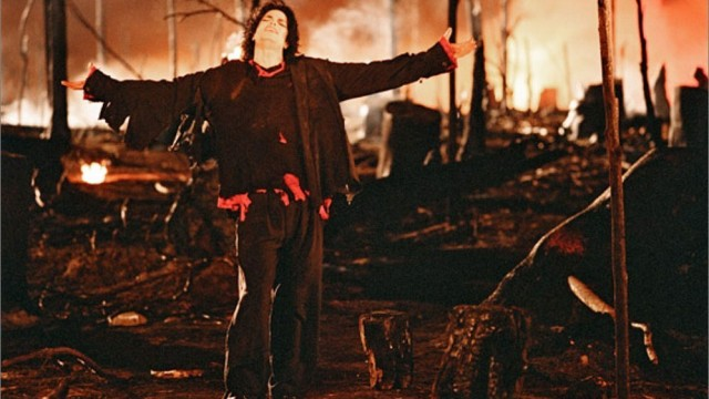 "Capture d'écran: clip Apocalyptique ""Earth Song"" de Michael Jackson"