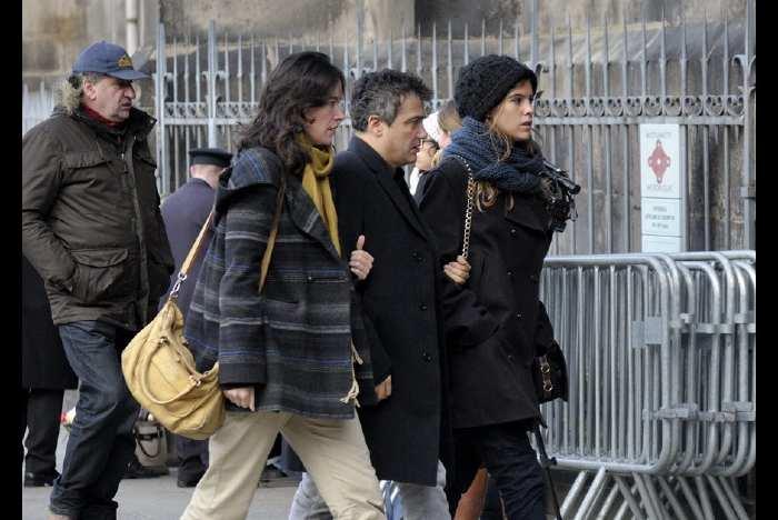 Patrick Pelloux arrive aux obsèques de Michel Renaud à Clermont-Ferrand