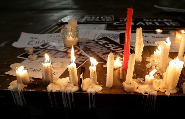 Hommage spontané suite à l'attaque contre la revue Charlie Hebdo.