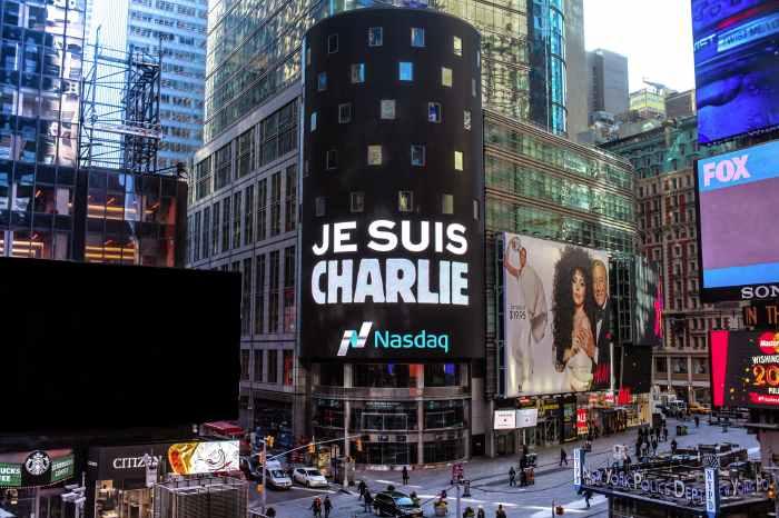 Affichage Charlie Hebdo à New York