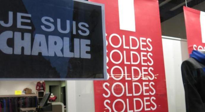 Je suis Charlie/Soldes en vitrine