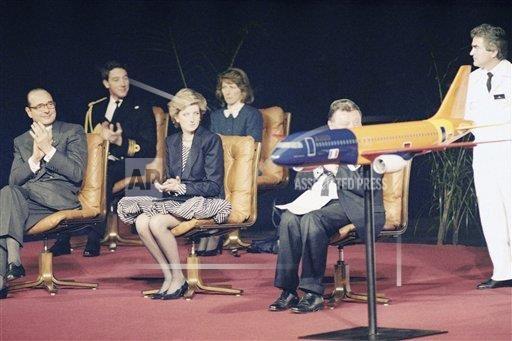 Jacques Chirac et la Princesse Diana au baptême de l'Airbus A320