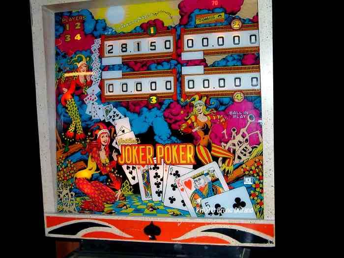 /images140/joker-poker-flippers.jpg