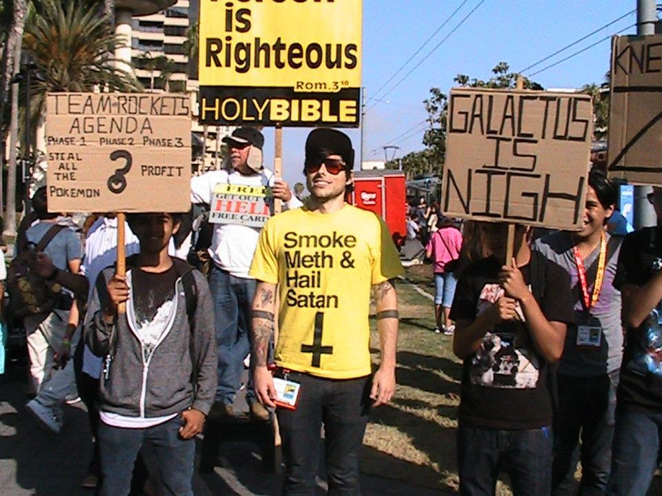 Fume des amphetamines et glorifie Satan