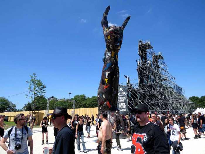 """""""Hellfest"""" c'est-à-dire la """"fête de l'enfer""""..."""