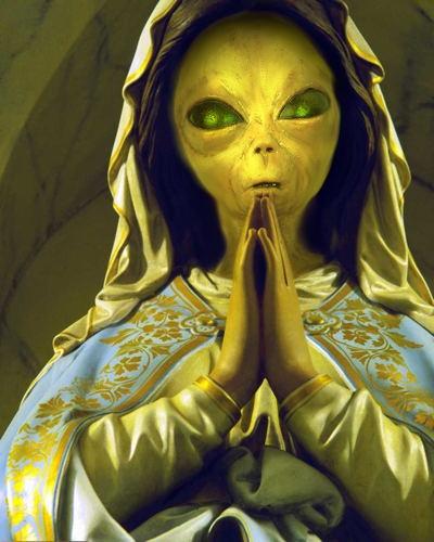 Entité démoniaque/alien embusquée en arrière-plan du culte marial