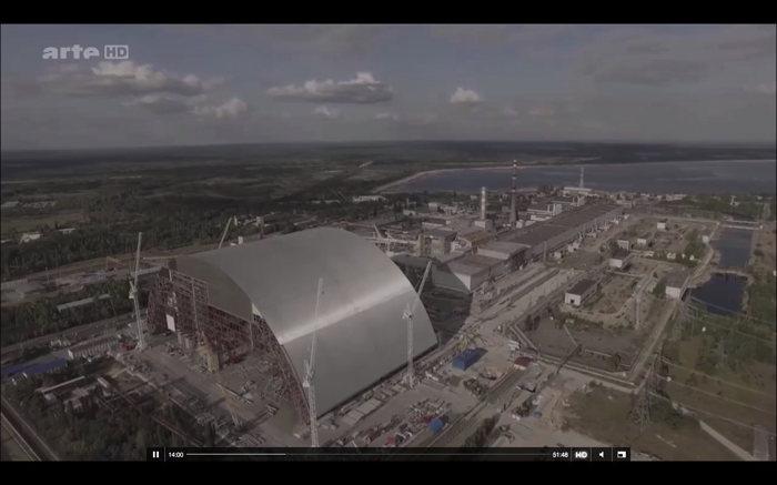 — Capture d'écran Documentaire Tchernobyl sur Arte — 23 Avril 2016 — Arche de démontage —