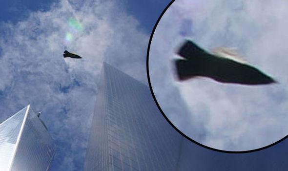 Ovni filmé au-dessus du Ground Zero à New York en Juillet 2016