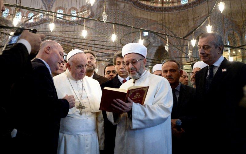Le Pape François Ier en flagrant délit d'Apostasie