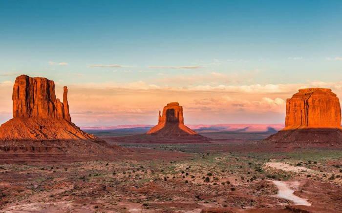 Les Mittens et Merrick Butte dans la Monument Valley