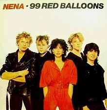 """chanteuse Allemande Nena  """"99 Luftballons"""""""