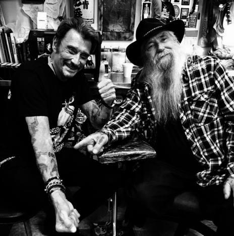 Johnny Hallyday son nouveau tatouage 666 sur son avant-bras droit en 2014