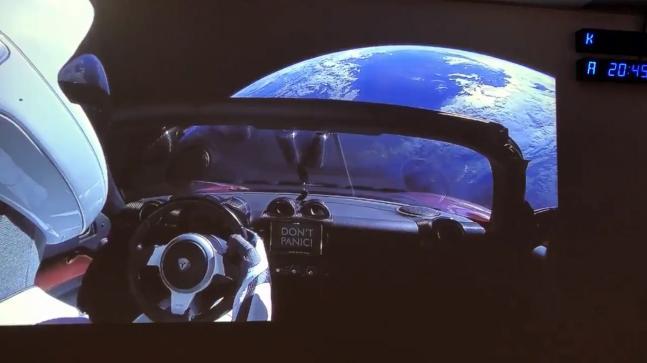 Véhicule Tesla à bord de la fusée SpaceX