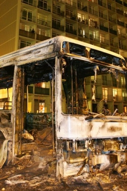 Bus incendié