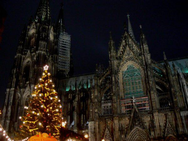 Cathédrale de Cologne et marché de Noêl