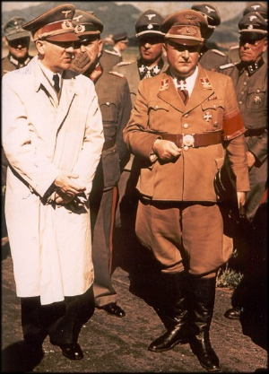 Hitler en inspection