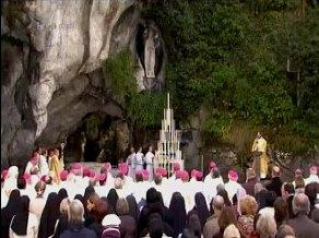 Messe du 9/11 à la grotte de Lourdes
