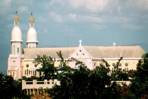 Cathédrale Notre Dame avant le séisme du 12 Janvier 2010 à Port au Pince