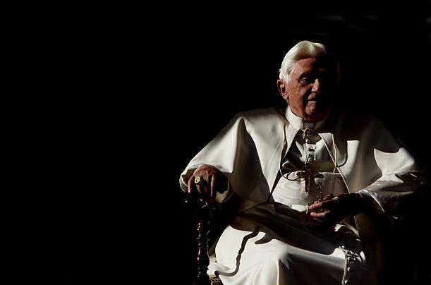 Benoît XVI en séance d'Audience papale en Décembre 2009