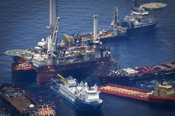 — navires opérant lors de la catastrophe Deep water Horizon de bp — Golfe du Mexique — Mai 2010 —