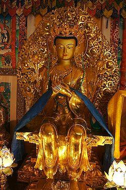 "Statue représentant ""Maitreya"""