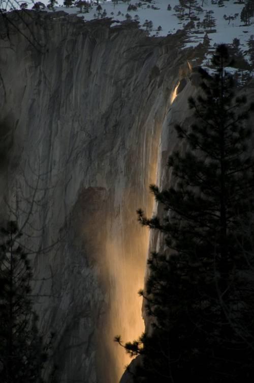 El Capitan, la cascade en feu