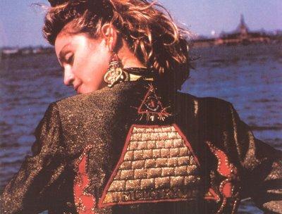 Madonna, poupée des Illuminati!