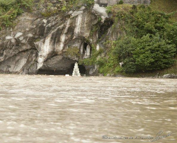 Grotte de Massabielle et sanctuaires inondés à Lourdes - Octobre 2012