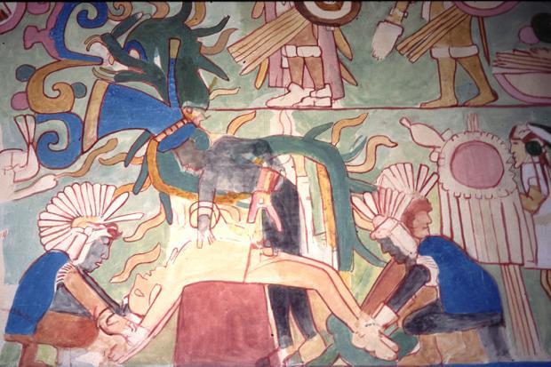 Peinture murale présentant une extraction d'un cœur lors d'un sacrifice à Chichén Itzá (Mexico)