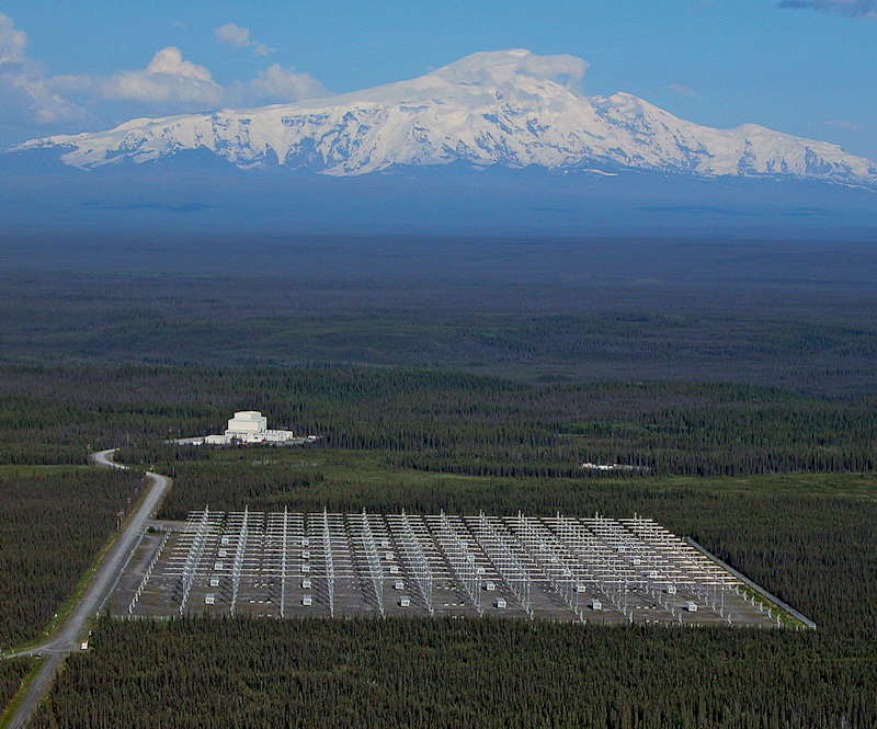 Site H.A.A.R.P. près de Gakona, en Alaska  H.A.A.R.P. ou High frequency Active Auroral Research Program