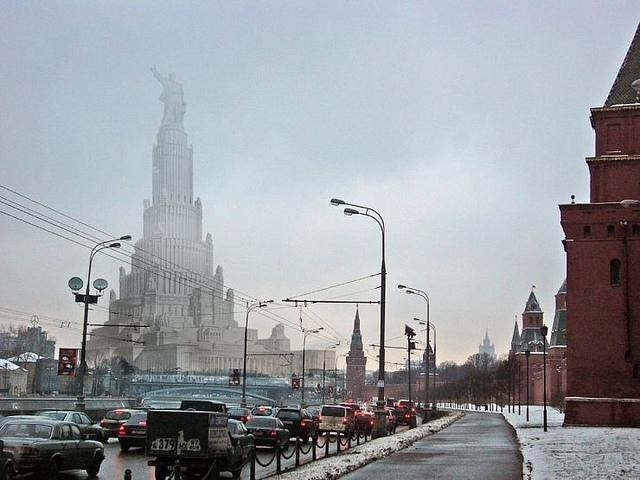 Photo-montage: Projet du Palais des Soviets selon l'architecte Boris Iofan