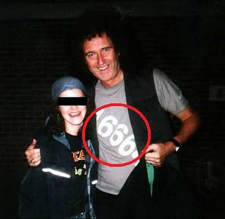 Brian May et son 46664