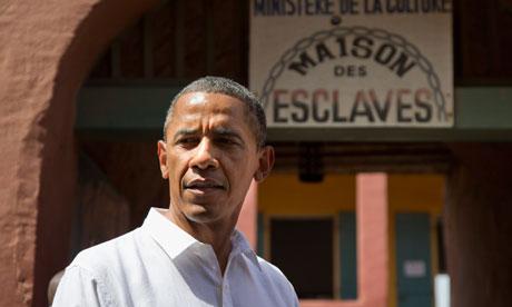 président B. Obama devant la maison des esclaves