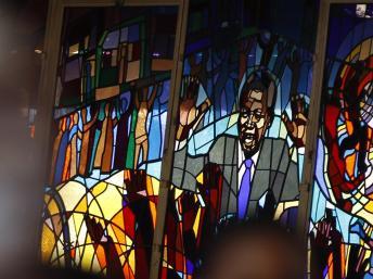 Les vitraux de l'église Regina Mundi à Soweto représentent Nelson Mandela