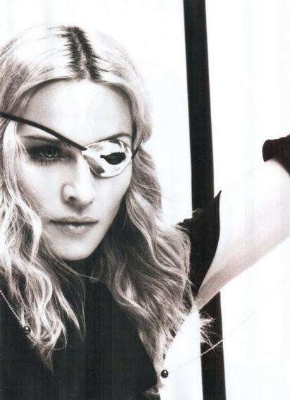 Madonna et l'œil dit d'Horus